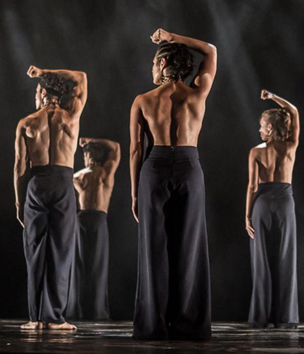 Dance artists from Focus Cia de Danca perform in Still Reich