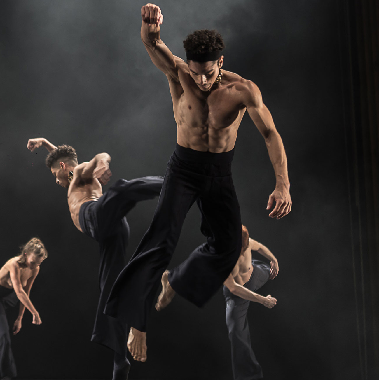 Dance artists from Focus Cia de Danca perform in Still Reich