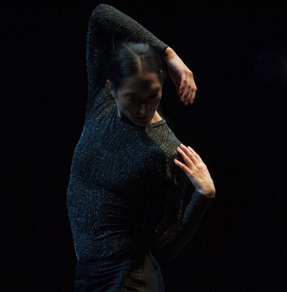 Renee Sigouin performing in Proximity