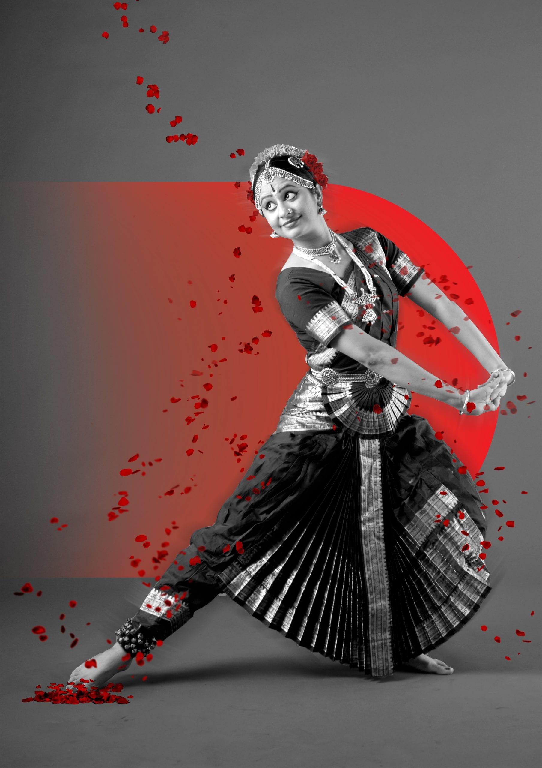 Bharatanatyam dance artist Vidya Kotamraju poses